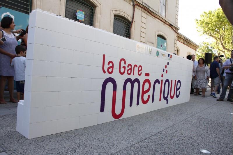Première Pierre Gare SNCF Carpentras